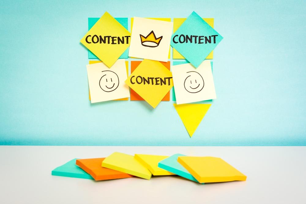 Blogs vs eBooks vs Webinars.jpg