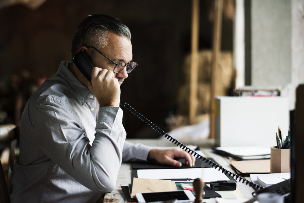 Supplier phone call building partnership